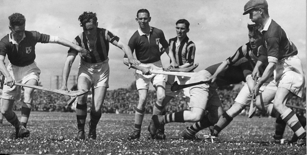 Leinster Championship 1947 in Portlaoise.<br /> From left: Andy Dwyer (D), Paddy O'Brien, S &#211;g &#211; Ceallach&#225;in (D), Padraig Lennon, Dave Walsh (D), Shem Downey, Ned Dunphy (D).
